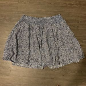 Old Navy Skirts - Old Navy blue white blossoms pattern flowy skirt L